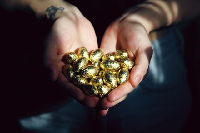 Inti Cerita Angsa dan Telur Emas